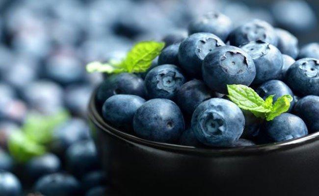 بعد أن تعلموا فوائد التوت الأزرق ستتناولونه بالتأكيد!