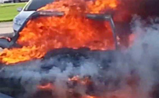 حرق شاب وشابة كانا نائمين في سيارة بتيارات و غموض كبير يكتنف القضية!