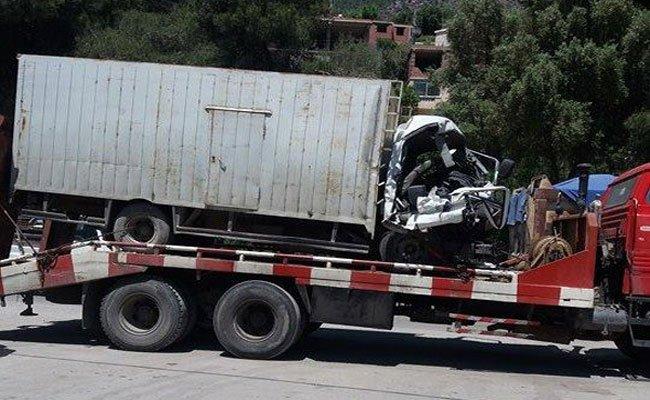 حادث مأساوي : مقتل شخص أراد تقديم المساعدة فقتله شاحنة رفقة شخص آخر بالنفق الثاني لخراطة