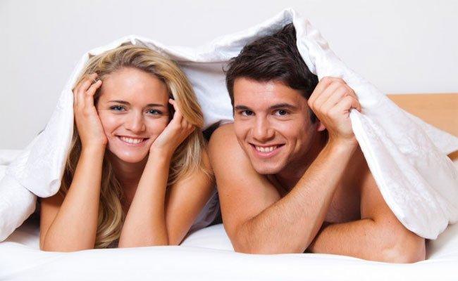 4 زيوت لا تهملوا إستعمالها قبل العلاقة الحميمة!