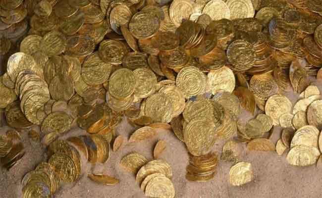 الإطاحة بشبكة إجرامية تتاجر في الآثار و استرجاع أكثر من 500 قطعة أثرية بالطارف