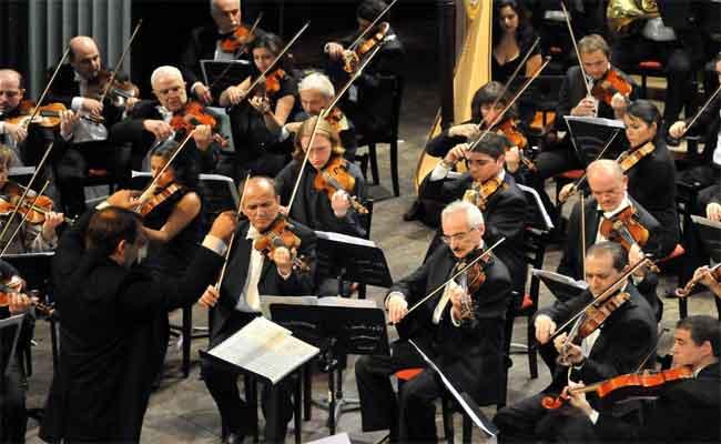 وزير الثقافة عز الدين ميهوبي يفتتح المهرجان الثقافي التاسع للموسيقى السيمفونية بأوبرا الجزائر