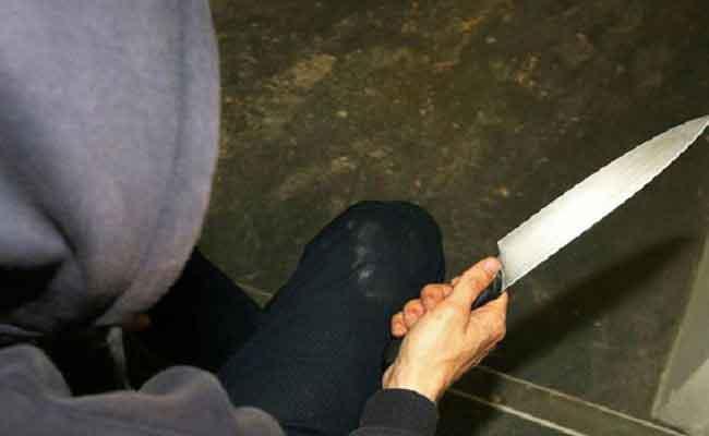 العنف المدرسي : تلميذ في متوسطة بالبويرة يطعن تلميذا آخر بسكين!