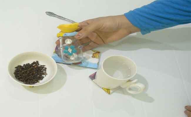 طرق بسيطة لتحضير غسول فم طبيعي في المنزل