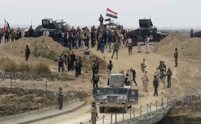 مقاتلو داعش يتناوبون على الاستسلام
