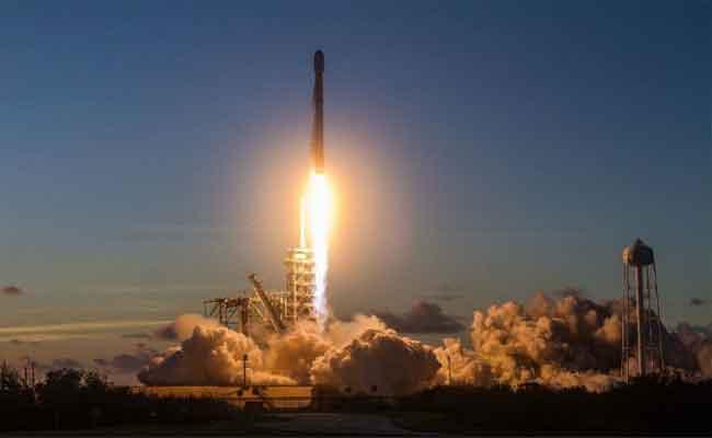 SpaceX : إطلاق وهبوط ناجح لصاروخ معاد تدويره