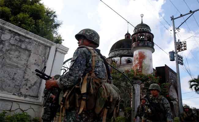 الفليبين تنتهج سياسة الأرض المحروقة لمواجهة