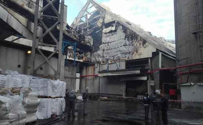 نشوب حريق مهول بالمركب الصناعي لمجمع سفيتال ببجاية