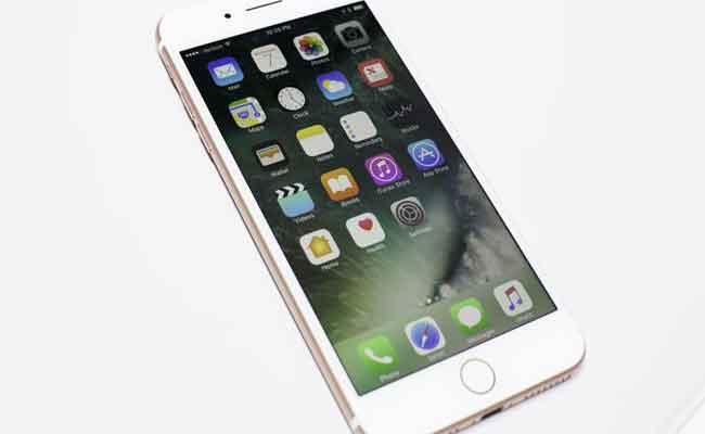 أي فون 7 يحقق مبيعات أعلى من أي فون 8