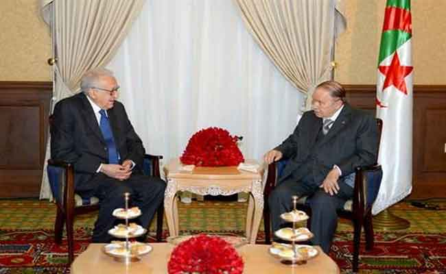 رئيس الجمهورية يستقبل الدبلوماسي الجزائري الأخضر الإبراهيمي