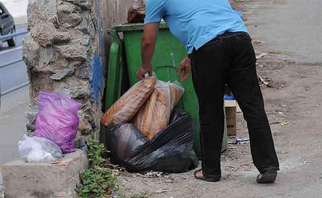 في ظرف 9 أشهر : جمع حوالي 850 ألف طن من  النفايات المنزلية ضمنها 90 طن من مادة الخبز بالعاصمة