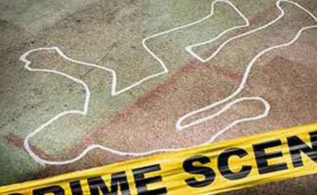 جريمة قتل شنعاء في بومرداس : شاب يقدم على نحر أب طفلة بمنجل!