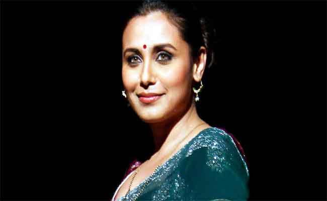 تتويج راني موخرجي بجائزة المساهمة البارزة في السينما الهندية