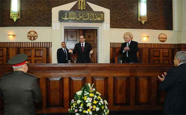 مستشار مصري: السلطة التنفيذية في مصر تتدخل في القضاء