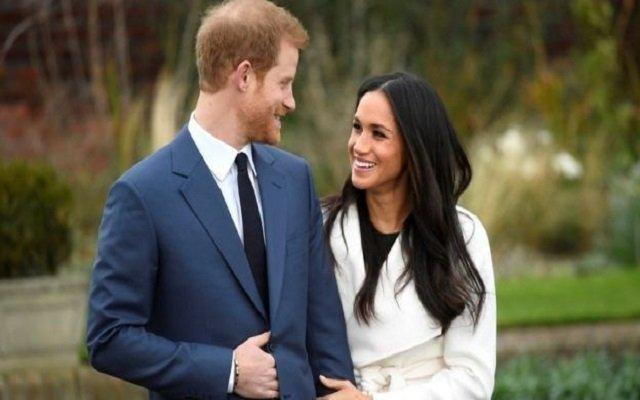 الأمير هاري يخرج عن الأعراف ويخطب ممثلة أمريكية