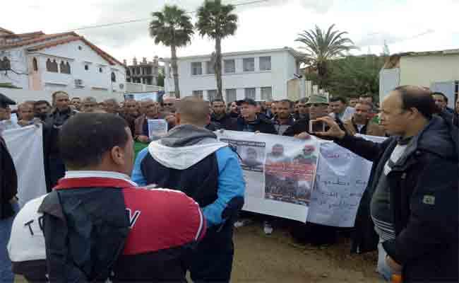 متقاعدو و معطوبو الجيش في وقفات احتجاجية سلمية
