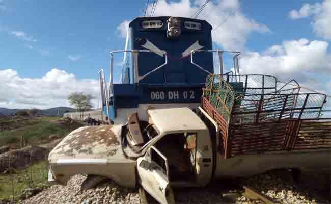 اصطدام قطار بسيارة يخلف قتيلا و جريحا بقالمة