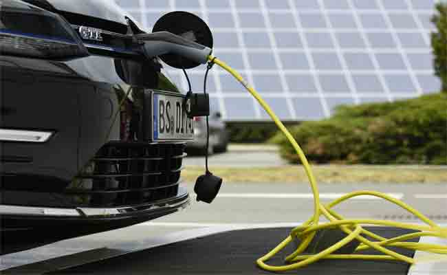 الشركات الأوروبية المصنعة للسيارات تتحد لإنشاء محطات للشحن خاصة بالسيارات الكهربائية