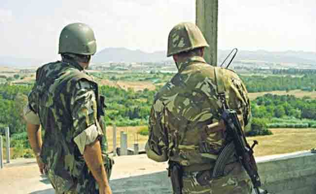 مقتل جنديين و إصابة خمسة آخرين في حادث انفجار للذخيرة بثكنة عسكرية في بلعباس