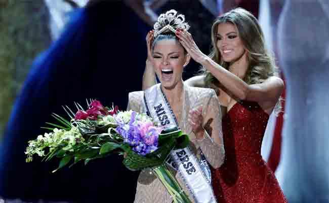 بيضاء من جنوب افريقيا تخطف لقب ملكة جمال الكون للعام 2017