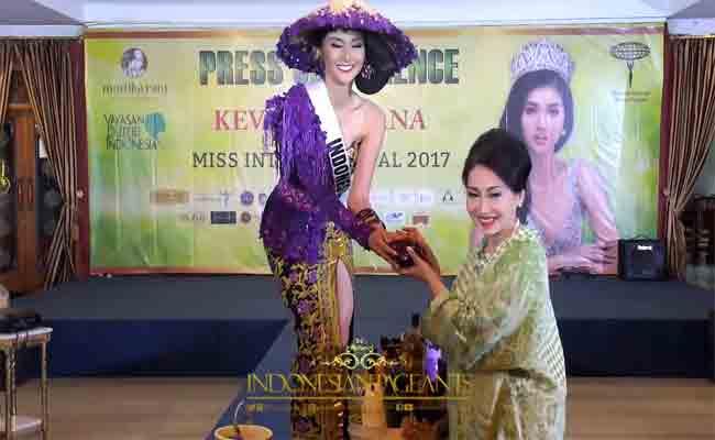 اندونيسية تنتزع لقب ملكة جمال العالم للعام 2017