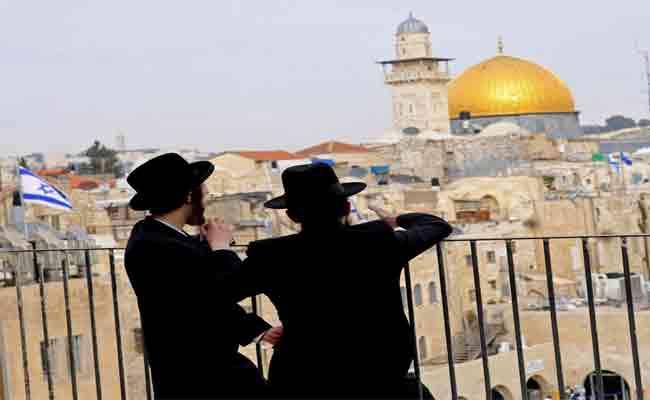 بدون مدافع .. إسرائيل تواصل حملاتها التطهيرية ضد
