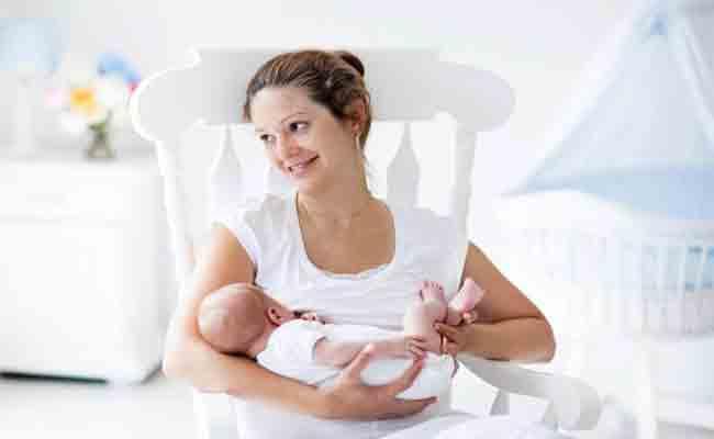 الرضاعة الطبيعية... سبب في زيادة الوزن أو نقصانه؟