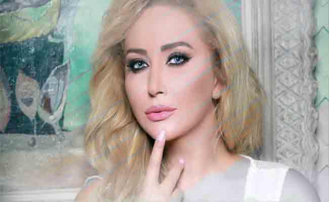 رجاء قصابني تحتفل بعيد استقلال بلدها ب