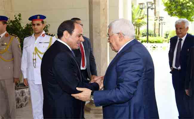 دول عربية تضغط على عباس حتى يفاوض تل أبيب