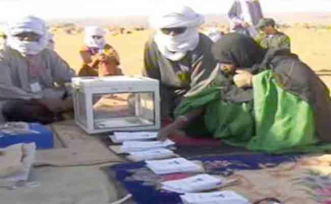 تواصل عملية التصويت عبر المكاتب المتنقلة الـ 16 بولاية النعامة في