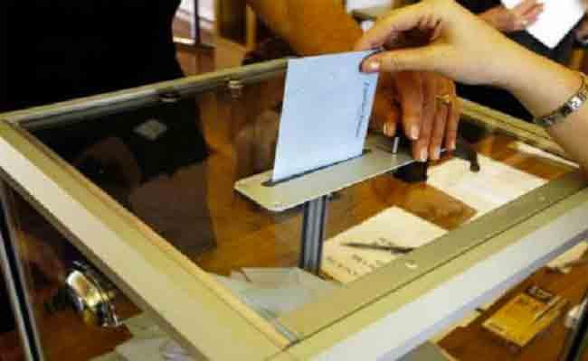 تزوير انتخابي : حشو صندوق اقتراع بـ20 ورقة تصويت بمكتب ميسوم رمضان ببشار