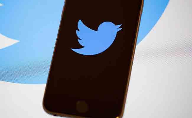 تويتر بدأت في اختبار ميزتها الجديدة Bookmark