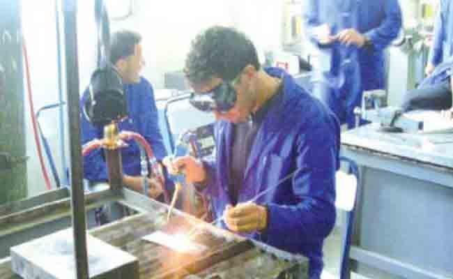 عزوف الشباب عن تخصصات في التكوين المهني رغم أن العمل مضمون بعد التخرج !