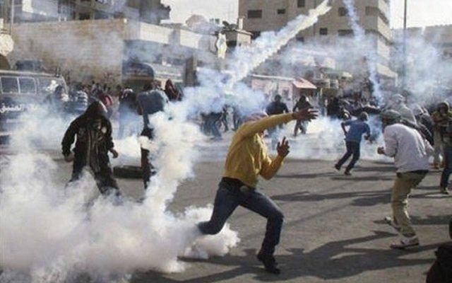 عشرات الفلسطينيين أصيبوا خلال مواجهات مع قوات الاحتلال
