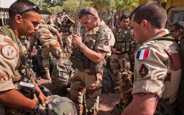 فرنسا تعلن مقتل جنديين فرنسيين في مالي