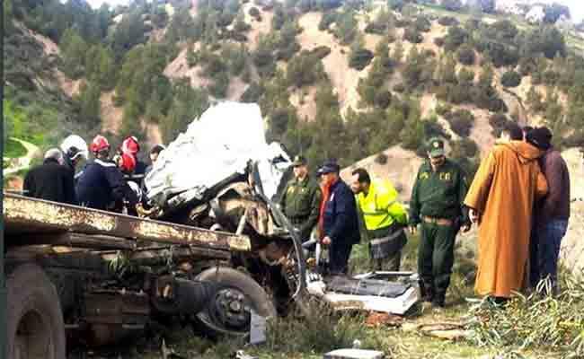 انقلاب شاحنة  معبأة بقارورات غاز البوتان يخلف مقتل شخصين بالمدية