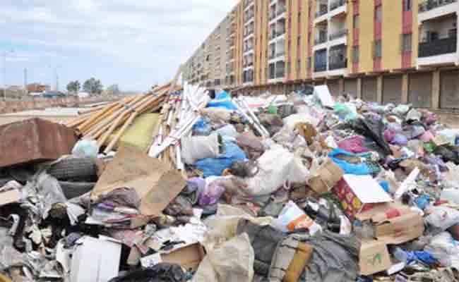 شرطة العمران و حماية البيئة  تزيل 80 مفرغة عشوائية بالعاصمة خلال شهر يناير
