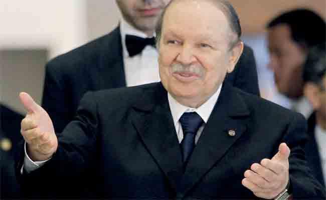 تكريم رئيس الجمهورية برسالة إشهاد و عرفان