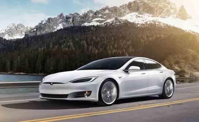 تسلا تستدعي 123000 سيارة موديل S بسبب تواجد مشاكل بنظام التوجيه الكهربائي