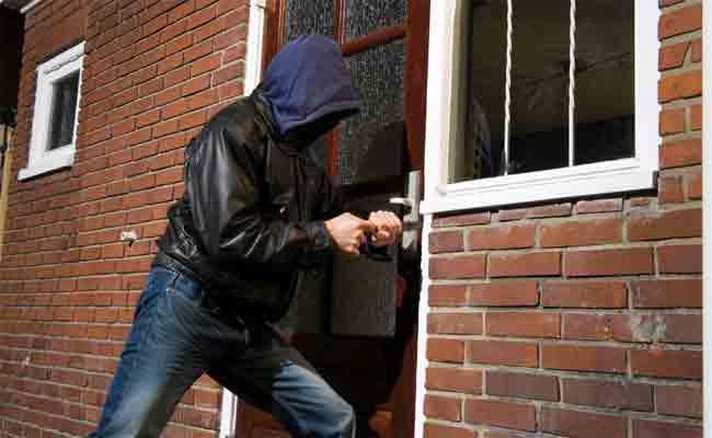 درك العاصمة يطيح بعصابة إجرامية تحترف سرقة المنازل