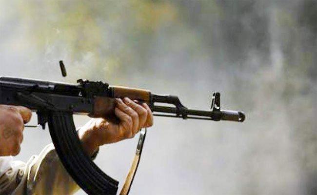 أب يقتل ابنه بواسطة بندقية بسبب المخدرات بالنعامة