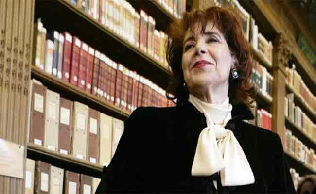 عز الدين ميهوبي يطلق اسم أيقونة الأدب الجزائري أسيا جبار على المكتبة الرئيسية لتيبازة