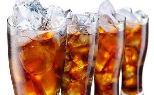 عند التوقّف عن شرب الصودا... هذا ما يتغيّر في جسمك