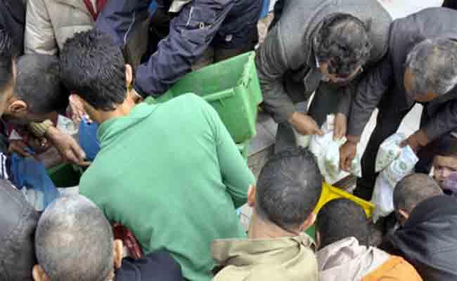 الحكومة تتدخل لاحتواء ندرة مادة حليب الأكياس في الأسواق