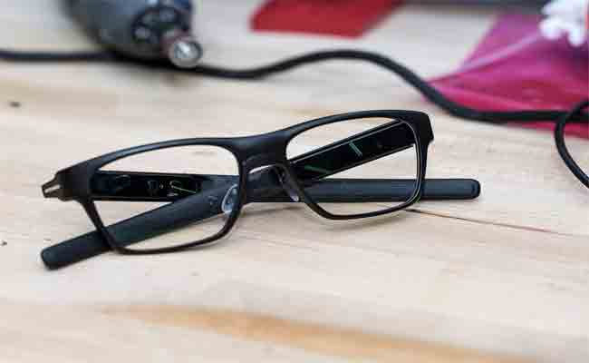 إنتل توقف مشروعها الخاص بنظاراتها الذكية فونت