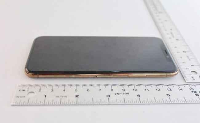 تم الكشف رسميا عن أي فون X الذهبي