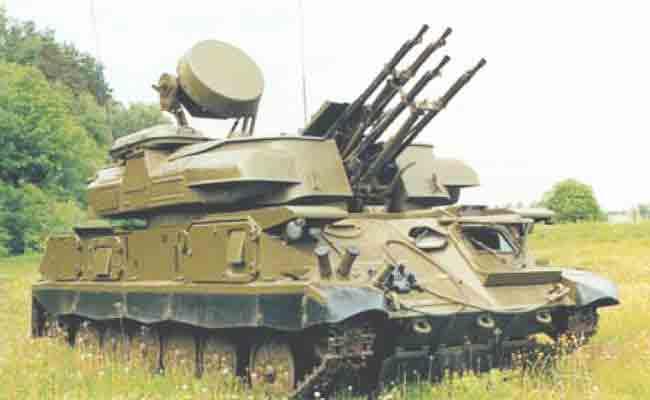 الجيش الجزائري يملك  أكثر من 200 مدفع