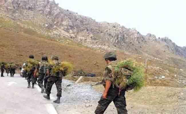 الجيش الوطني الشعبي بجيجل يلقي القبض على 3 إرهابيين