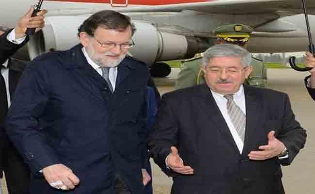رئيس الحكومة الاسباني يحل بالجزائر و يجري محادثات مع أويحيى و مساهل و بدوي