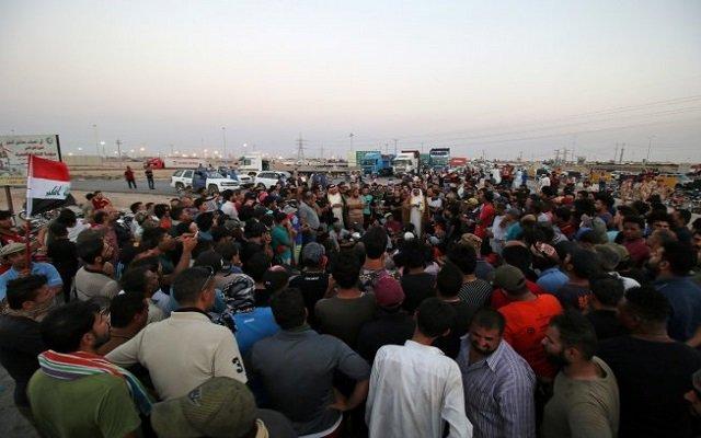عشرات الجرحى في الاحتجاجات بجنوب العراق